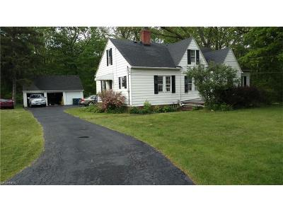 Olmsted Falls Single Family Home For Sale: 24584 Sprague Rd