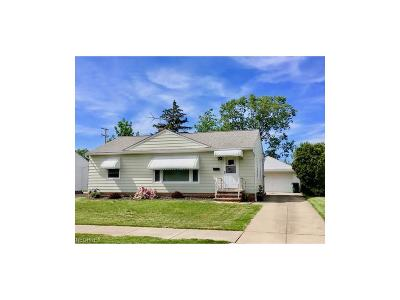 Willowick Single Family Home For Sale: 30141 Oakdale Rd