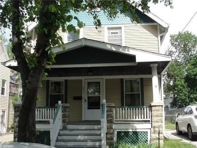Lakewood Single Family Home For Sale: 1531 Winchester Ave