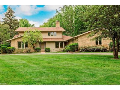 Pepper Pike Single Family Home For Sale: 8 Daisy Ln