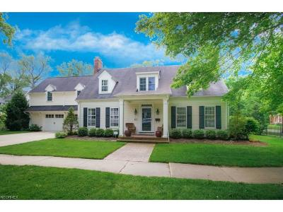 Chagrin Falls Single Family Home For Sale: 63 Center St