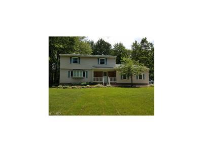 Chardon Single Family Home For Sale: 11041 Sunshine Dr