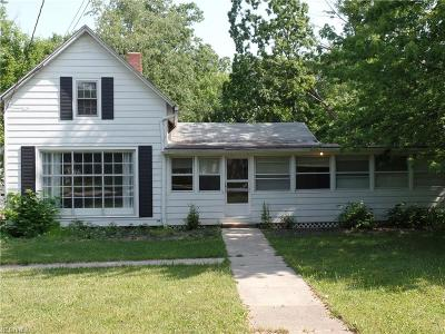 Willoughby Hills Single Family Home For Sale: 28825 Eddy Rd