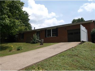 Marietta OH Single Family Home For Sale: $108,500