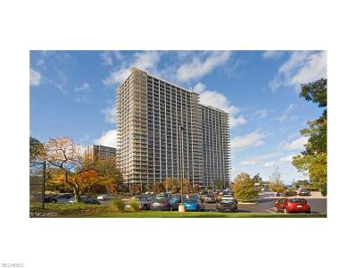 Lakewood Condo/Townhouse For Sale: 12700 Lake Ave #2906