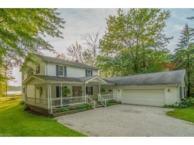 Chardon Single Family Home For Sale: 11631 Beachside Rd