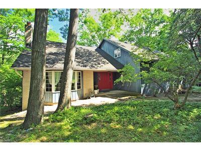 Pepper Pike Single Family Home For Sale: 28825 Shaker Blvd
