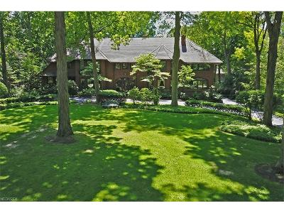 Shaker Heights Single Family Home For Sale: 15800 South Park Blvd
