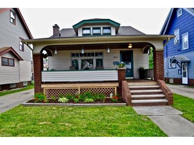 Parma Single Family Home For Sale: 7405 Thornton Dr