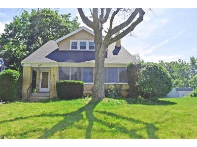 Shaker Heights Single Family Home For Sale: 3531 Stoer Rd