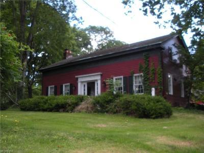 Chardon Single Family Home For Sale: 11223 Wilson Mills Rd