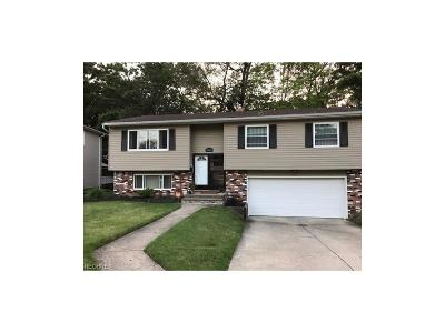 Bedford Single Family Home For Sale: 615 Shawnee Ln