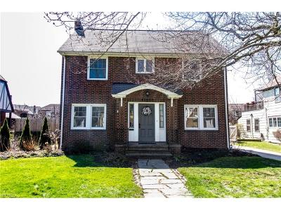 Shaker Heights Single Family Home For Sale: 15808 Chadbourne Rd