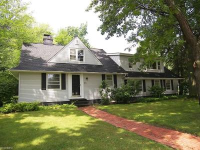 Solon OH Single Family Home For Sale: $224,900