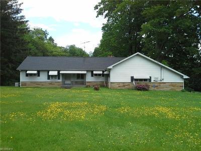 Chardon Single Family Home For Sale: 11865 Auburn Rd