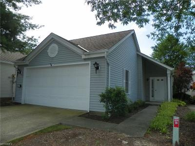 Strongsville OH Single Family Home For Sale: $159,500