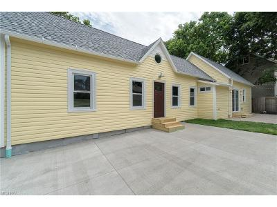 Single Family Home For Sale: 2148 Thurman Ave