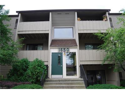 Westlake Condo/Townhouse For Sale: 1650 Cedarwood Dr #335