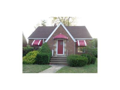 Euclid Single Family Home For Sale: 270 East 232nd St