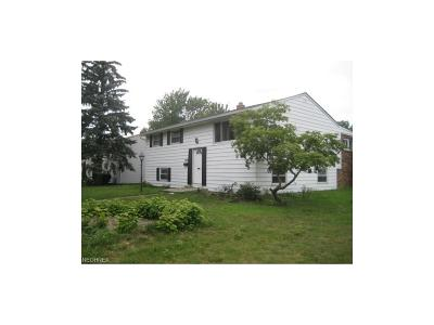Eastlake OH Single Family Home For Sale: $114,900