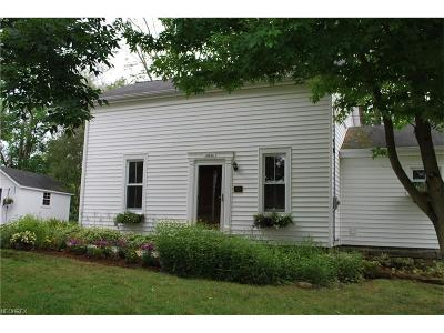 Chardon Single Family Home For Sale: 12520 Fowlers Mill Rd