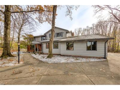 Cuyahoga County Single Family Home For Sale: 2600 Butternut Ln