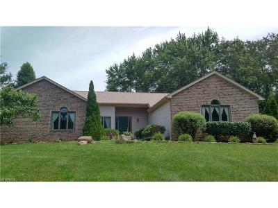 Struthers Single Family Home For Sale: 5495 Walnut Grove Cir