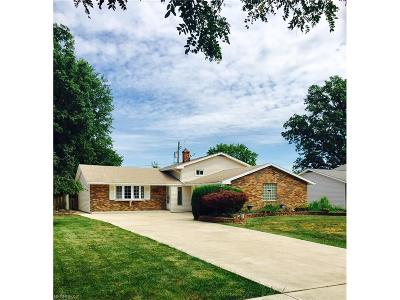 North Olmsted Single Family Home For Sale: 24944 Deerfield Dr