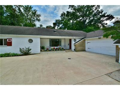 Single Family Home Sold: 21511 Hilliard Boulevard