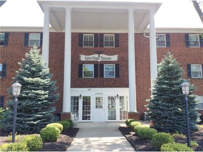 Rocky River Condo/Townhouse For Sale: 2885 Pease #122