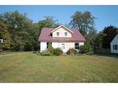 Ashtabula County Single Family Home For Sale: 4325 North Ridge Usr 20 Rd