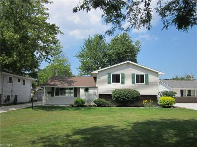 North Olmsted Single Family Home For Sale: 24872 Deerfield Dr