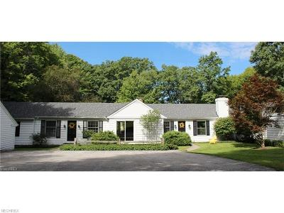 Gates Mills Single Family Home For Sale: 514 Battles Rd