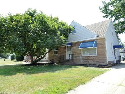 Wickliffe Single Family Home For Sale: 1542 Rush Rd