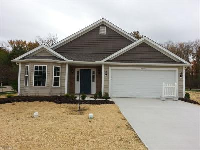 Single Family Home For Sale: 27269 Emerald Oval South