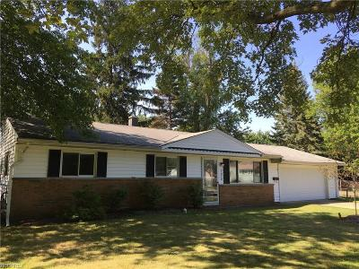 Mentor-On-The-Lake Single Family Home For Sale: 7670 Holly Dr