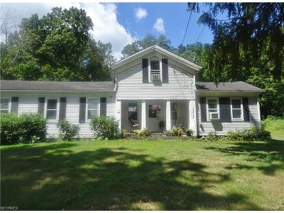 Mantua OH Single Family Home For Sale: $129,900