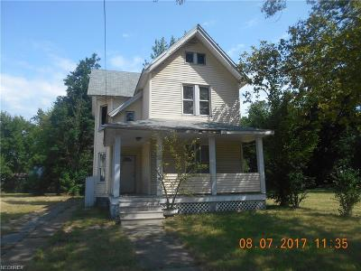 Cleveland Single Family Home For Sale: 6001 Whittier Ave