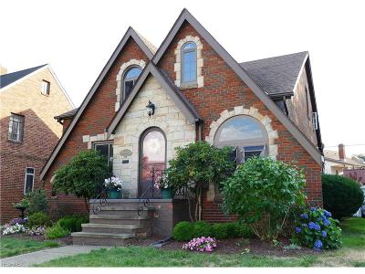 Cleveland Single Family Home For Sale: 15609 Norway Ave