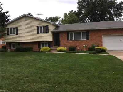 Willoughby Single Family Home For Sale: 4312 Parklawn Dr