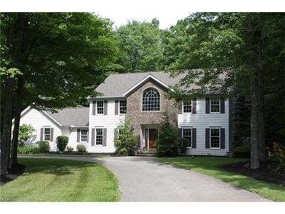 Chardon Single Family Home For Sale: 12130 Burlington Glen Dr