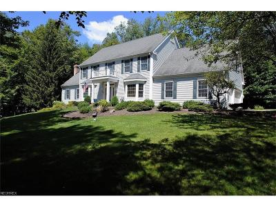 Geauga County Single Family Home For Sale: 8630 Tamarack Trl