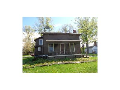 Canfield Single Family Home For Sale: 217 West Main St