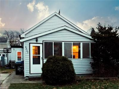 Parma Single Family Home For Sale: 4307 Wood Ave