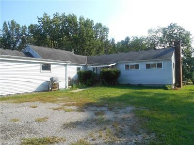 Chardon Single Family Home For Sale: 12430 Taylor Wells Rd