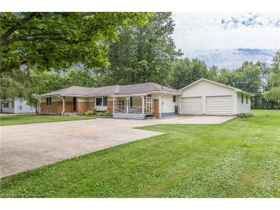 Willoughby Single Family Home For Sale: 38470 Bell Rd