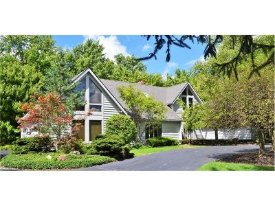 Pepper Pike Single Family Home For Sale: 2614 Fairwood Dr