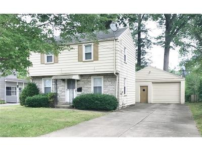 Youngstown Single Family Home For Sale: 3643 Cascade Dr