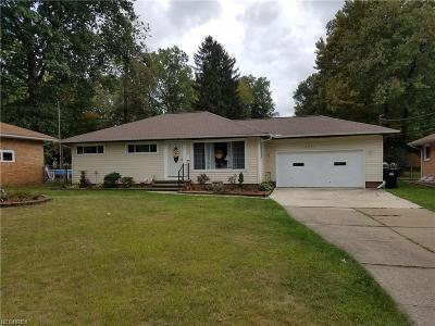 Brook Park Single Family Home For Sale: 14027 Settlement Acre Dr