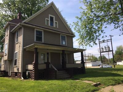 Stark County Multi Family Home For Sale: 1507 Garfield Ave Southwest